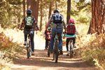 Aj jeseň môžete tráviť na bicykli. No len s dostatočnou výbavou cyklo oblečenia