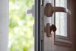 Údržba plastových okien a dverí pred zimou