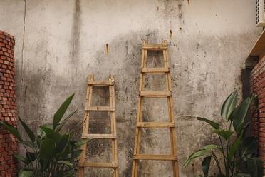Rebríky, lešenie - hliníkové rebríky, drevené rebríky, lešenie/lešenárska koza