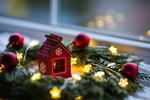 Vianočná výzdoba neznamená len ozdobený stromček - vdýchnite aj vášmu nábytku tú správnu atmosféru