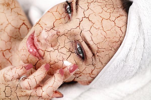 Používajte make-up vzime tak, aby vám neuškodil