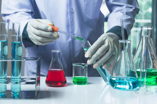 Chemikálie od uznávaných výrobcov