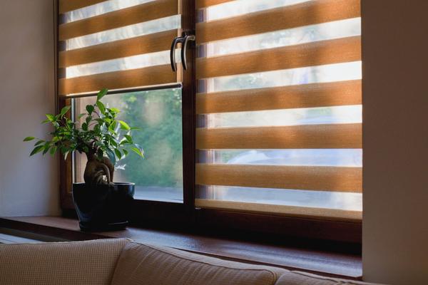 Roleta deň a noc je riešením pre moderné interiéry