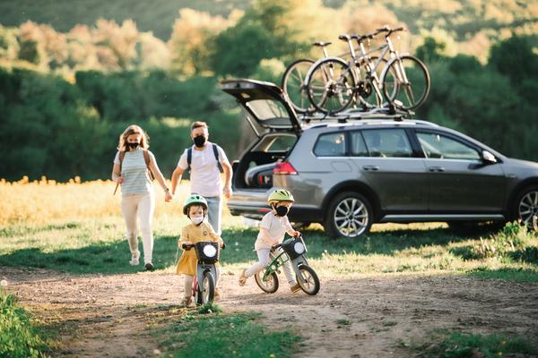 Na cestách s celou rodinou a bicyklami