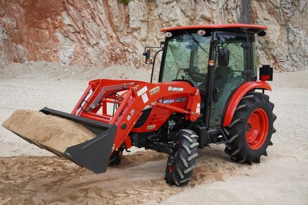 Pri kúpe traktora treba byť ostražitý