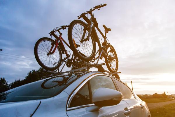 Nosič bicyklov na strechu alebo na ťažné zariadenie
