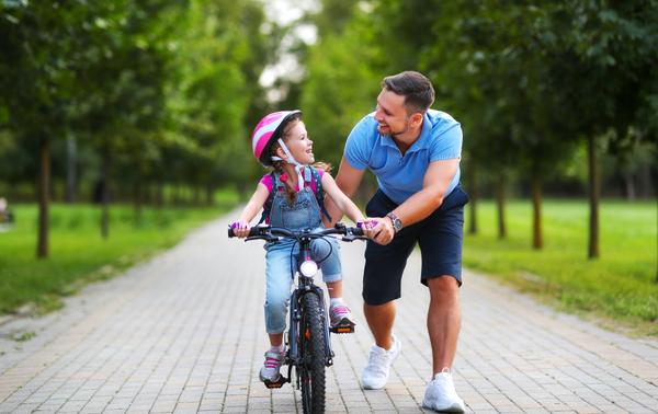 Ako naučiť dieťa bicyklovať