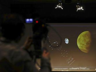 Obrovský úspech vedcov: Na Marse pristála sonda, bude hľadať stopy života