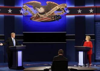 USA čaká záverečný televízny duel kandidátov na prezidenta