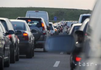 PRIESKUM: Štvrtina Slovákov cestuje každý deň, väčšinou za prácou