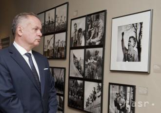 VIDEO: V SNG otvorili výstavu o propagande, prišli Kiska aj Maďarič