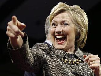 WikiLeaks: Clintonovej radili, ako získať na svoju stranu Sandersových stúpencov