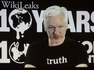 Bránia sa proti útokom: Assangeovi vypli internet, Česi zatkli ruského hakera