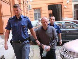 Primáš Minks zůstává ve vazbě za brutální napadení bratra: Je narcista, ale není kriminálník, tvrdí
