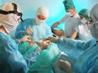 Klinike plastickej chirurgie v Bratislave hrozí pokuta za starostlivosť bez povolenia