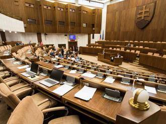 Výbor k nákupu CT prístrojov prerušili, opozícia protestovala