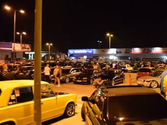 Nelegálne preteky tuningových áut valcujú mestá po Slovensku: VIDEO Polícia im je v pätách!