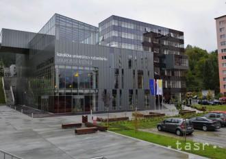 Študenti Katolíckej univerzity v Ružomberku bojujú proti extrémizmu