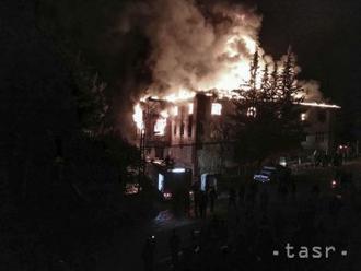 Terecké úrady zadržali pre požiar na internáte šiestich podozrivých