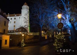 Kvôli hrozbe veternej smršte prerušili Advent na Bratislavskom hrade