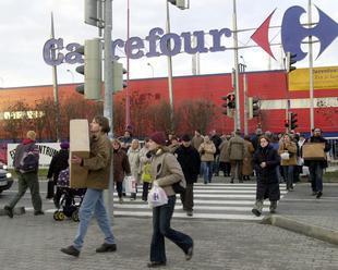 Vlastník Carrefouru vyplatil veriteľov, dostali tri percentá z toho, čo im dlhoval
