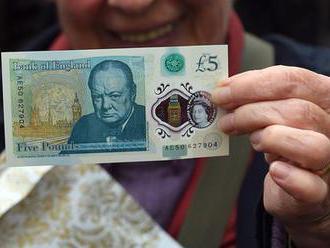 Budeme platit plastovými bankovkami? Špatně se padělají a déle vydrží