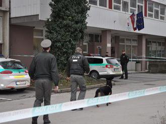 Polícia prehľadáva budovy súdov, dostala podozrivé hlásenia