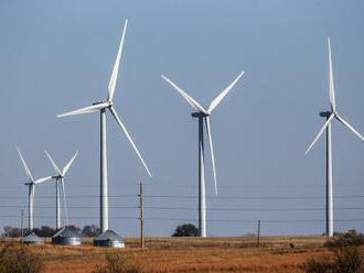 Dočkáme sa lacnejších energii: Za elektrinu, plyn a teplo zaplatíme menej