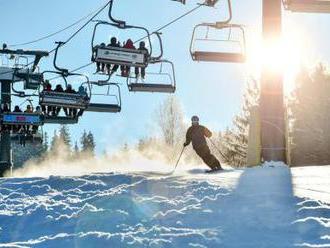 Lyžaři zaplnili skiareály, na horách panují ideální podmínky