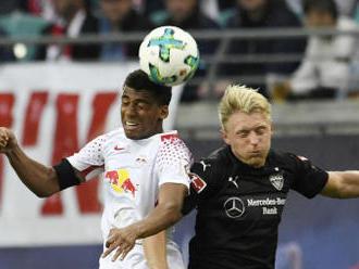 Dortmund jen remizoval ve Frankfurtu a může přijít o první místo
