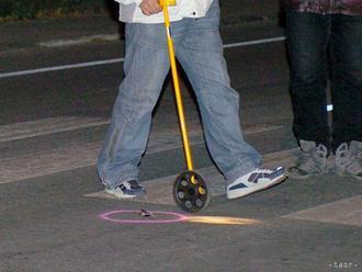 Polícia hľadá svedkov nehody v Bratislave, auto zrazilo chodcu