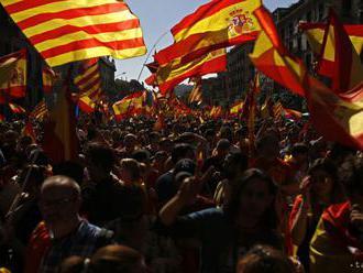 Kľúčoví spojenci žiadajú Puigdemonta vyhlásiť nezávislosť Katalánska
