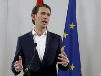 Kurz sľubuje zastavenie nelegálnej migrácie a zníženie daní