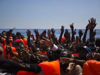 V Stredozemnom mori zachránili okolo 600 utečencov