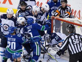 NHL: Luongo sa vyrovnal Josephovi, Pánik prvýkrát v sezóne nebodoval