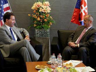 Minister Gajdoš rokoval s americkým veľvyslancom Sterlingom