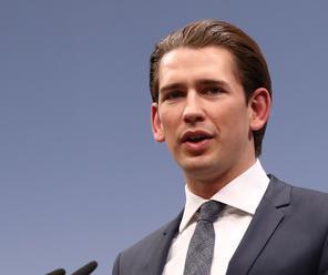 Súčasný rakúsky minister zahraničných vecí Kurz sľubuje, že ak vyhrá voľby zastaví nelegálnu migráci