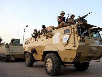 Šesť egyptských vojakov prišlo o život pri útoku Islamského štátu