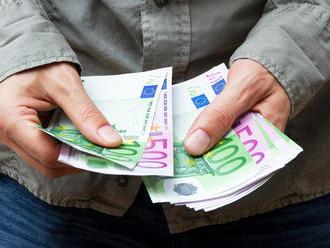 Mladí ľudia by mali zbystriť pozornosť: Poskytovanie hypoték bude fungovať po novom