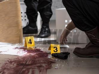 Otrasný prípad z Nitry: Narkoman striekal svoju krv v paneláku a vykrikoval, že všetkých nakazí