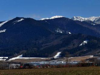 Vo Vysokých a Západných Tatrách trvá lavínové nebezpečenstvo