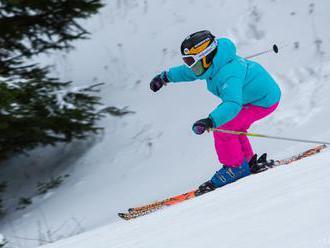 V lyžiarskom stredisku na Donovaloch svahy už zasnežujú