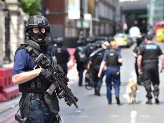 Britská polícia varuje deti: Pri teroristickom útoku nestrácajte čas fotením