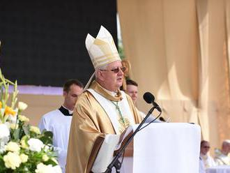 Rožňavský biskup Stanislav Stolárik požehnal kostol vo farnosti Rapovce