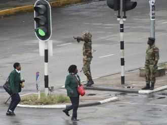 Armáda v Zimbabwe zadržala prezidenta, obsadila televíziu, do ulíc poslala tanky. Puč to ale nie je,