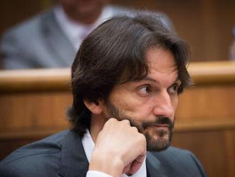 Opozícia sa pokúsi o vyslovenie nedôvery ministrovi Kaliňákovi