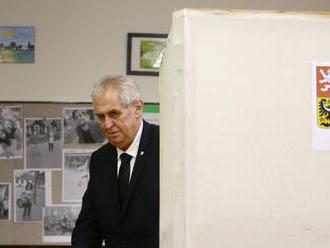 Prvé kolo prezidentských volieb by podľa prieskumu vyhral Zeman