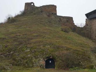 V chodbách pod hradným vrchom vo Fiľakove vzniknú nové expozície