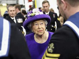 Kráľovná Alžbeta II. uviedla do služby lietadlovú loď Queen Elizabeth