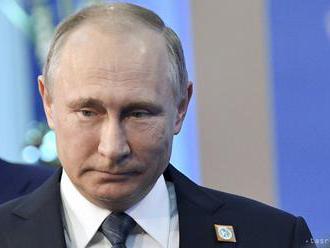 Putin ešte nevie. Pôjde do volieb ako nezávislý či s podporou strany?